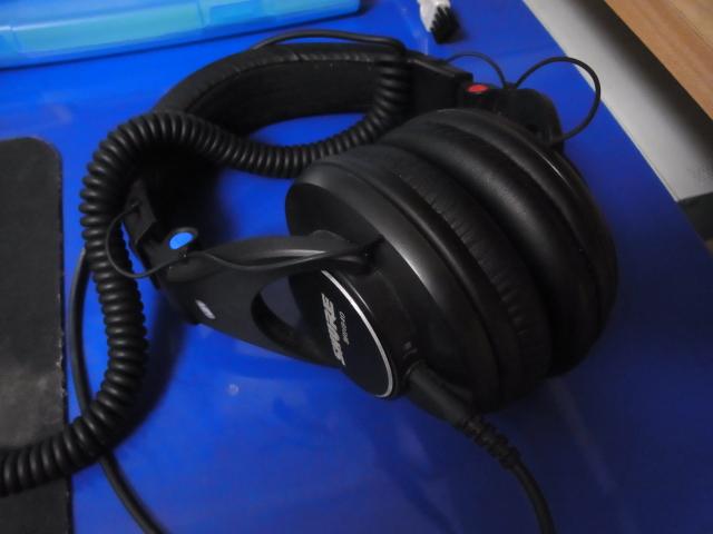 headphonehanger-131001-01