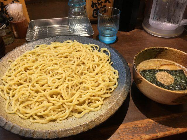 高田馬場のつけ麺屋『ひまわり』で濃厚Wスープと大盛り麺を堪能