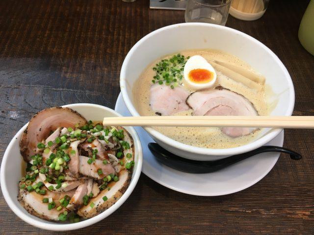 奈良冨雄のラーメン屋『みつ葉』でクリーミーな醤油を堪能