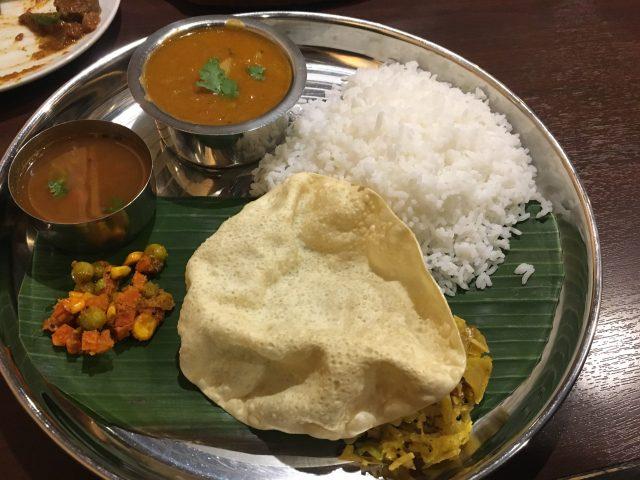 都島駅にあるインド料理『ナンタラ』のスパイス料理を堪能