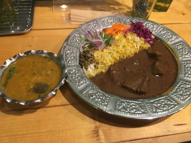 谷町六丁目のスパイスカレー『スパイス堂』でマトンと豆カレー