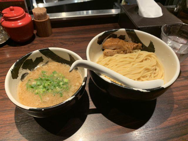 御徒町の『麺屋武蔵 武骨』で肉厚チャーシューつけ麺